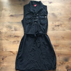 GUESS BLACK DRESS WITH LACE UP FRONT.